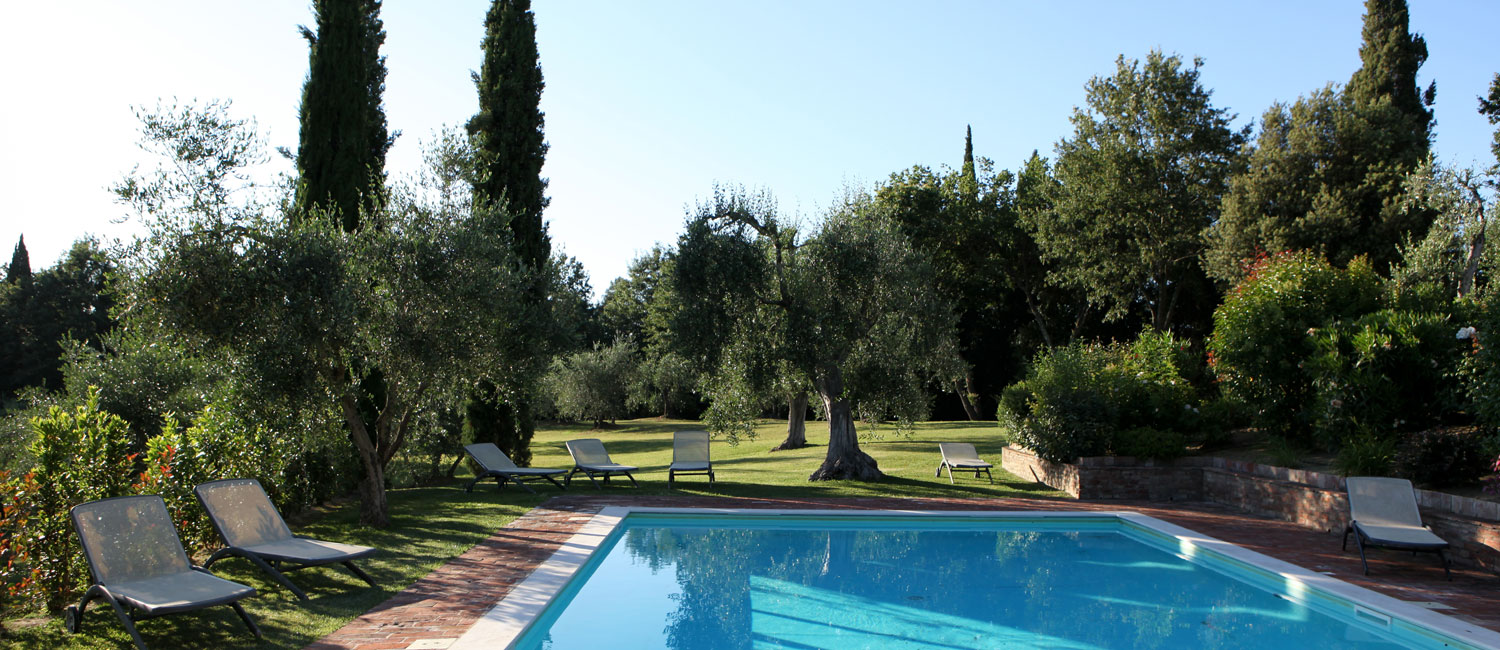 The tranquil and peaceful setting of the outdoor pool